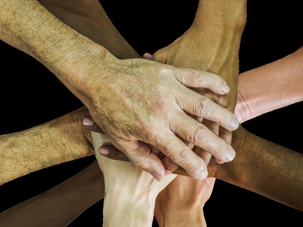 Hände von Menschen verschiedener ethnischer Herkunft